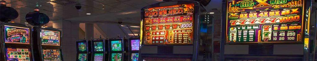 Machines à sous vidéo dans la salle du casino